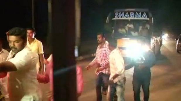 उत्तर भारत में आंधी-तूफान तो दक्षिण भारत में सियासी बवंडर, नया ठिकाना हैदराबाद