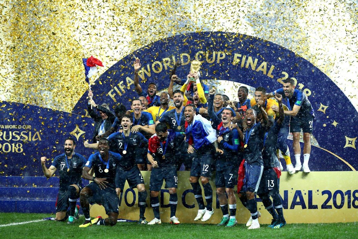 FIFA: फुटबॉल का सिकंदर बना फ्रांस, पेरिस की सड़कों पर जश्न में डूबे क्रेजी फैन्स