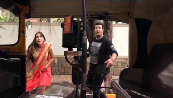 भारत में भी चढ़ रहा है किकी चैलेंज का बुखार, अभिनेत्री नोरा फतेही भी ऑटो से कूदीं