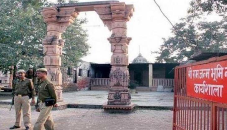 अयोध्या: राम मंदिर के लिए ट्रकों में भरकर लाए जा रहे पत्थर