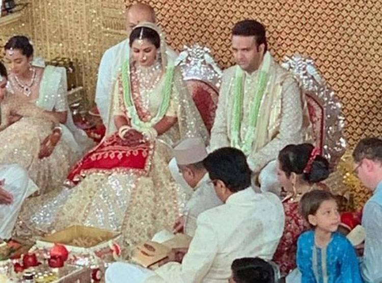 ईशा-आनंद की शादी की पहली तस्वीर, एंटीलिया में सितारों का जमावड़ा